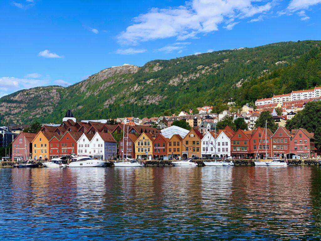 Hvor skal man bo i Bergen? Guide til bydele og hoteller i Bergen