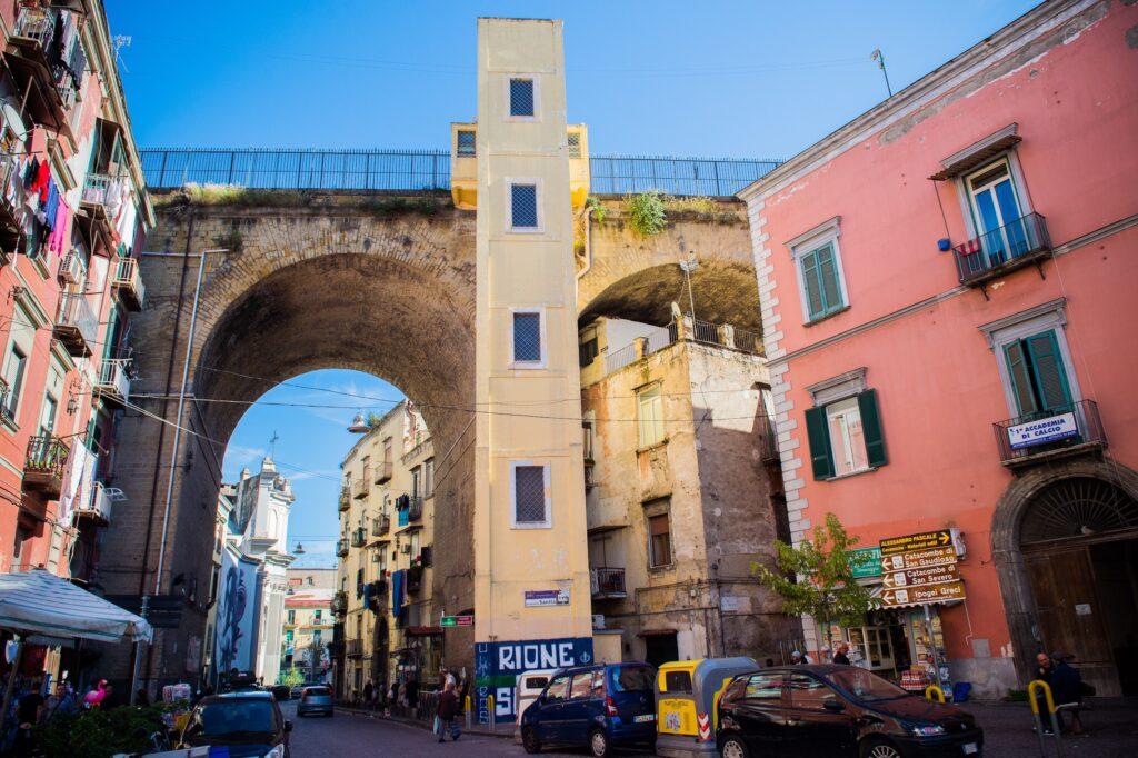Det spanske kvarter er et kendt område i Napoli